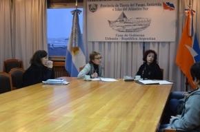La Gobernadora se reunió con representantes de la comunidad educativa del Centro Polivalente de Artes de Ushuaia