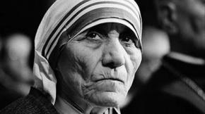 La Madre Teresa no predicaba con el ejemplo, revela estudio canadiense
