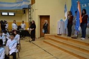 La Ministra de Educación asistió al acto de Promesa a la Bandera de los alumnos de la Escuela Provincial N°5 de Tolhuin