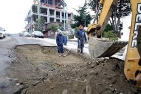 La Municipalidad de Ushuaia realizó trabajo de bacheo en calle Gobernador Godoy