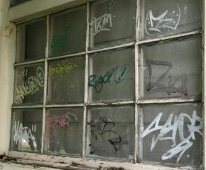 La Municipalidad de Ushuaia repudió las pintadas en la Antigua Casa Beban