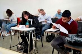 La UNTDF informó los requisitos para mayores de 25 años sin secundario completo que quieran estudiar en la universidad