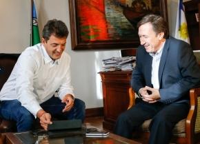 """Massa en Bahía Blanca: """"Vamos hacia un país normal en el cual se pueda inclusive hablar por celular"""""""