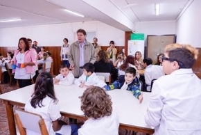 Melella encabezó el acto oficial por el inicio del Ciclo Lectivo 2020 en la Escuela 5 de Tolhuin