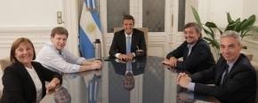 Melella se reunió con Massa, Máximo Kirchner, el ministro Meoni y la diputada Caparrós, para avanzar en el cruce por aguas argentinas entre la provincia y Santa Cruz