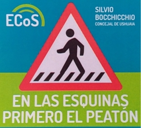 Militantes de ECoS realizaron intervención urbana con la campaña En las esquinas, primero el peatón