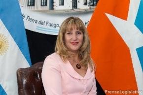 Myriam Martínez se solidarizó con las víctimas de violencia de género