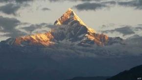 Nepal: mueren al menos 21 montañistas en tormenta de nieve