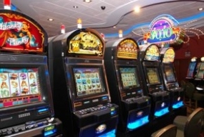 Presentan proyecto para prohibir la publicidad y promoción pública de los juegos de azar