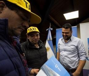 Protesta de taxistas en Ushuaia: ¿De la Cruz usa trabajadores para las aspiraciones personales de Vuoto?