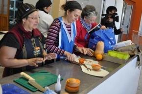 Río Grande: Se realizó un Taller de Cocina y Conservas entre el Municipio y el INTA
