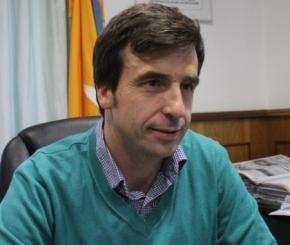 """Rubinos afirmó que """"se deben adoptar fuentes renovables para la generación de energía"""""""
