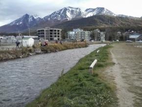 Saneamiento hidroambiental de la ciudad de Ushuaia: Se realizaron tareas de limpieza en el Río Pipo