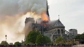 Se incendia la catedral de Notre Dame de París: luchan denodadamente por salvar la estructura