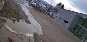 Vecinos de barrios altos denuncian el colapso de cloacas por inacción del Municipio de Ushuaia