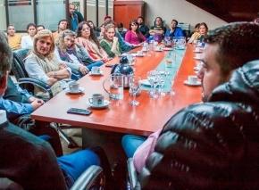 Vuoto anunció que personal político no recibirá aumento salarial y aportará al Fondo Solidario